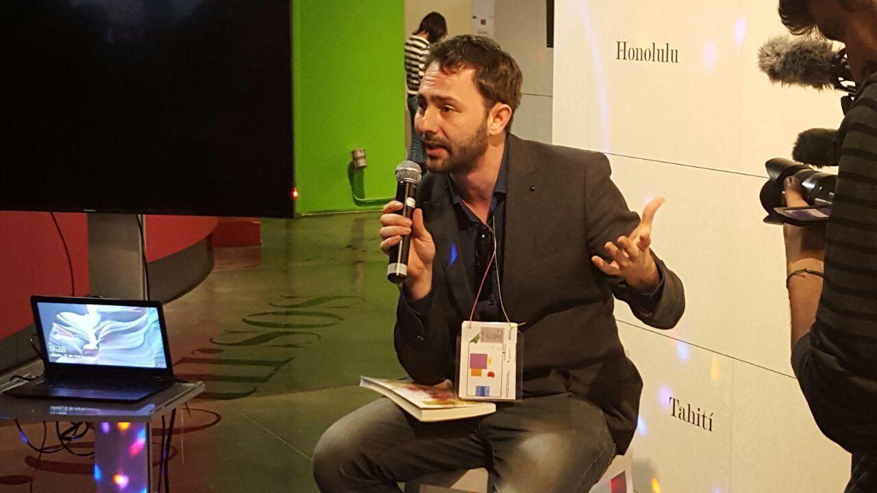 "Francisco Jurado Gilabert, legal researcher and author, delivering a ""lightning talk"""